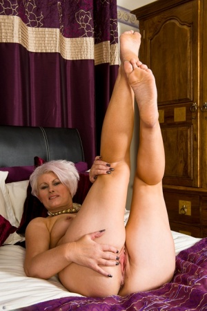 Sexy Mature Pussy