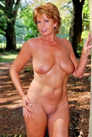 Outdoor Mature Pussy