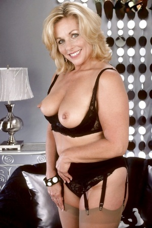 Mature Pussy And Big Tits