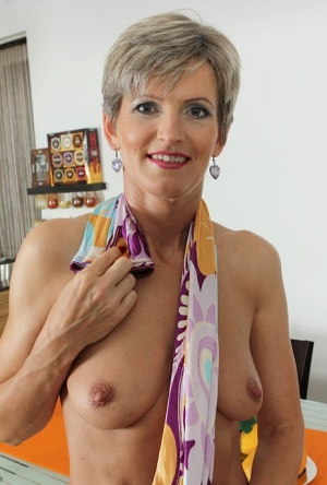 Mature Pussy And Nipples